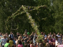 raising of the Maypole